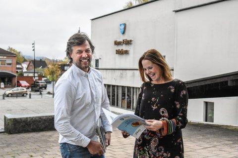 FORNØYDE: Kommunalsjef for økonomi, innkjøp og eierskap Leif-Arne Steingrimsen og kommunedirektøren Trude Andresen er fornøyd med resulatet for 2020.