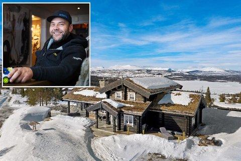 SELGER: Sverre Isahcsen (50) bygget hytta på Golsfjellet i 2015. Han bruker den ikke nok, og har bestemt seg for å utnytte dagens hyttemarked.