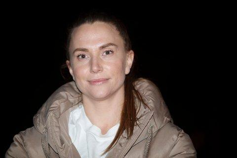 COMEBACK: Ikke siden 1. desember 2018 - det er snart 900 dager siden - har Linn Tandberg spilt en håndballkamp. Hun er forberedt på comeback, men ingen aner når Hokksund får lov til å spille igjen på grunn av koronapandemien.