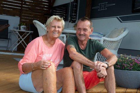 KOSELIG: – Natvedt er en stille, rolig og koselig campingplass, sier Kirsten Amlie (t.v) og Stein Kvernvik.
