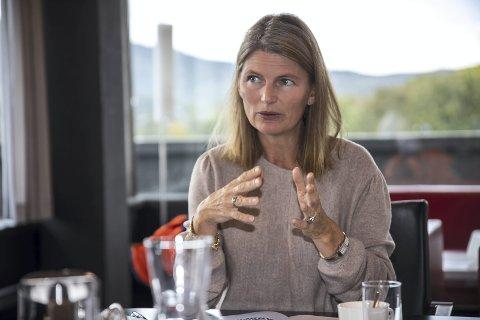 KRAV: Ordfører Lene Conradi (H) har bedt om møter med både Viken fylkeskommune og Statens vegvesen for å diskutere samferdselsløsninger.