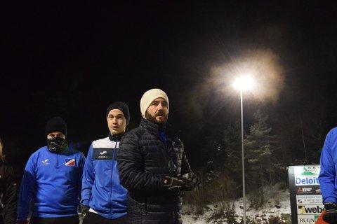 A-laget til Driv tar turen til Berger lørdag for å møte Nesoddens beste menn. Kampen blir den siste før påske og halvøyalaget blir en skikkelig test for blåtrøyene mener lagets trener.