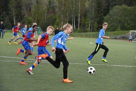 Det endte uavgjort 4-4 i en spennende kamp på Mjær stadion søndag kveld, da Driv IL gutter 13 møtte Bøler.