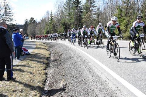 Onsdag er det igjen klart for sykkelrittet Enebakk rundt og tradisjonen er at mange er ute å heier i Enebakk.