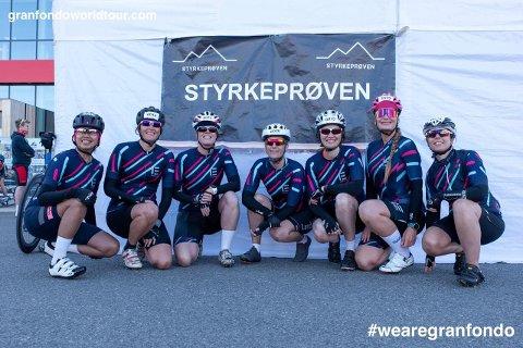 Ladies Edition med kaptein Heidi Tovdal fra Ytre som nummer to fra høyre.