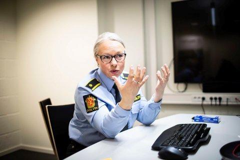 BEKYMRET:  Politiførstebetjent Anne-Kathrine Hofseth Gundersen ved Ullensaker lensmannskontor forteller at de har sett flere videoer av ungdom som tyvlåner foreldrenes bil.