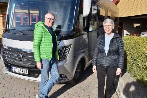 For ekteparet Mette og Steinar Kjelgård i Ytre går det mye tid med til bobil. De er også henholdsvis leder og kasserer i Norsk Bobilforenings region Øst, og tar seg av 3 200 medlemmer i Innlandet, Viken, Vestfold og Telemark fylker.