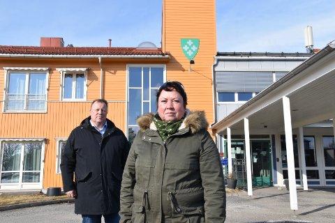 Politikerne Sylvia Riddarsporre (FrP) og Jostein Årre (H) forteller at med forsøksordningen innen omsorgstjenestene er et brukerutvalg/pårørendeutvag ekstra viktig.