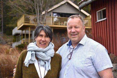 HELT NYTT: Eva og Jostein Årre har pusset opp den gamle gården til det ugjenkjennelige. De er storfornøyd.