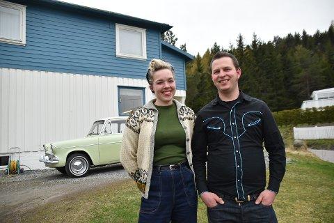 Astrid Marie Helland og Jakob Tønder Jakobsen har skapt seg et drømmehjem på Flateby - i ekte 50-tallsstil ute som inne.