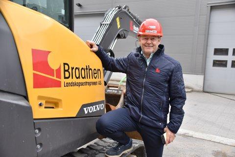 Omsetningen for Braathen Landskapsentreprenøs AS endte i fjor på omlag 280 millioner pluss moms.- Overskuddet er på 23,5 millioner kroner og er tidenes beste resultat, forteller Tom Borthen.