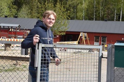 Morten Moen stortrives som lærling i Ytre Enebakk barnehage.