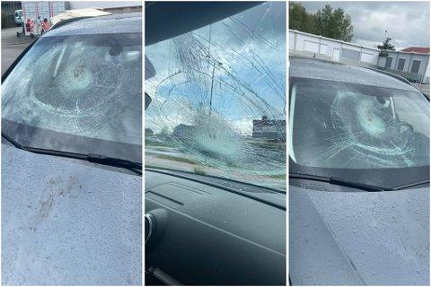 HÆRVERK: Noen har knust frontruta på bilen i løpet av natten. Nå er saken anmeldt til politiet.
