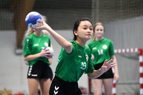 Barn og unge under 20 år kan igjen ha treninger innendørs.