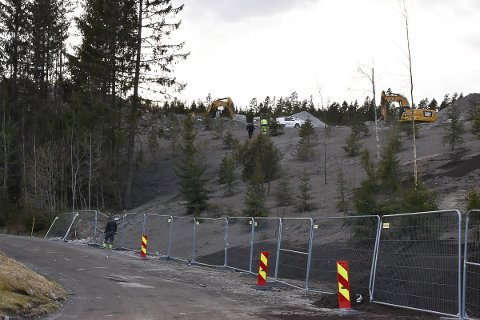6. mai endte en sprengsalve med å slenge stein utover Myraveien og hus her, og over Fylkesvei 120.