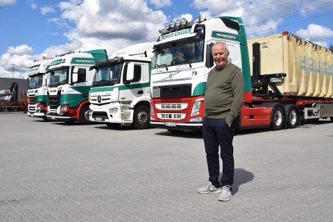 Knut har kjørt lastebiler og bygd opp firmaet gjennom 50 år.