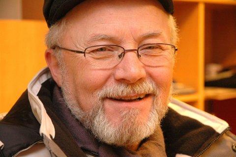 SKREVET BOK: Bjørn Kåre Søderholm har skrevet bok om Kamøyvær.