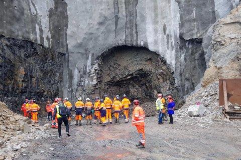 Første salve for E69 Skarvbergtunnelen gikk mandag 29. april. Foto: Frank Haldorsen