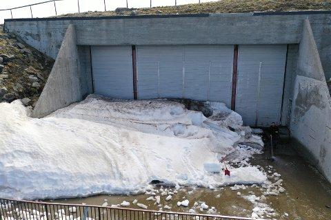 Døren til Kings view i Nordkapphallen har vært stengt i mange år. Nå åpner de snart igjen.