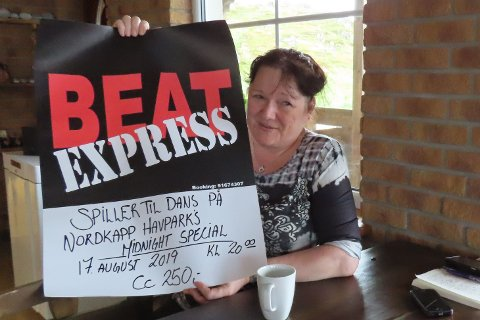 UNDERHOLDNINGEN ER KLAR: Helene Walsø-Kanstad byr på bandet Beat Express til festglade mennesker.