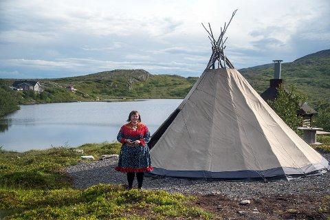 Ellinor Guttorm Utsi skal undervise under minikurset i samisk i neste uke.