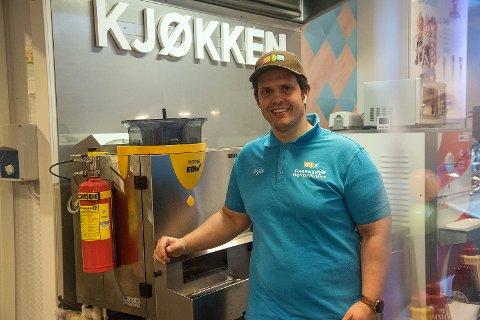 Den nye innehaveren av Mossakiosken, Ørjan Larssen,  har renovert og fornyet kiosken.