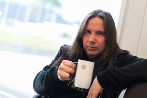 PRODUSENT: Kai Somby er med på å planlegge turneen til Sigvart Dagsland, men har måtte avlyse alt av tidligere konserter siden restriksjonene gjorde sitt fremtog.
