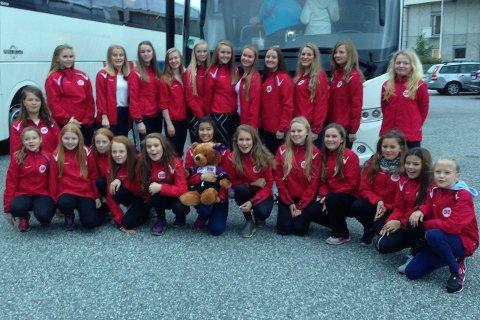 Tysdag kvar det avreise for jentene i Florø Drill, og no er dei på plass i Italia, klare for EM.