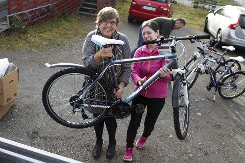 Smilet til barne- og ungdomsansvarleg Eva Jensen ved Solbakken asylmottak er like trillrundt som sykkeldekka. Foto: Heidi Hattestein