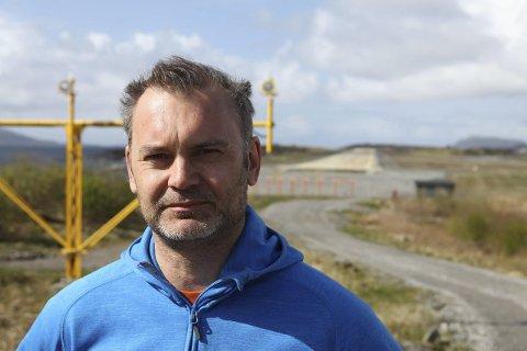 URIMELEG: Kinnordførar Ola Teigen meiner det er på høg tid at ein revurderer kommersialiseringa av lufthamna i Florø.