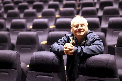 GARDERT: Kulturhussjef i Florø, Ingvar Hopland fortel dei har eit billettsystem som garanterer tilstrekkeleg avstand i det du kjøper billett.