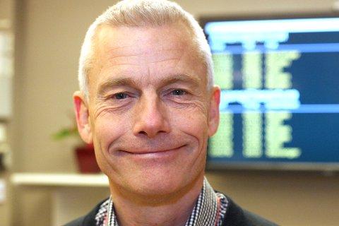 DAT: Adminstrerande direktør Jesper Rungholm gler seg over å kunne gi eit betre tilbod til passasjerane som flyg til og frå Florø. Foto: arkiv