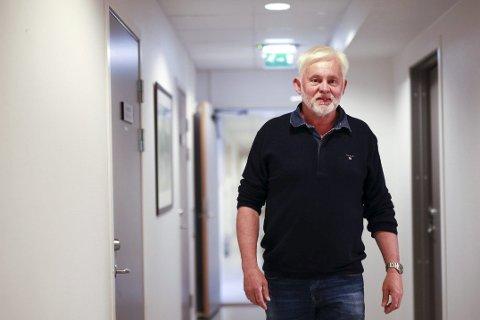 GLEDELEG: At over 60 prosent av dei spurde i ei Firdaposten-undersøking seier dei vil korona-vaksinere seg, gir grunn til optimisme, meiner smittevernoverlege i Kinn, Jan Helge Dale.