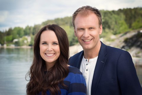LAGAR TV I FLORØ: Ida Nysæther Rasch og Atle Bjurstrøm skal leie direktesendinga frå Fugleskjærskaia tysdag kveld.