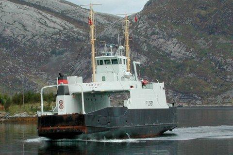 Ferja mellom Måløy og Oldeide har vore ute av drift tre gongar sidan ytre Bremanger mista vegsambandet.