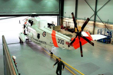 SIVIL HELIKOPTERBASE: Redningshelikopterbasen i Florø kan bli drifta av private frå 2017 og tre til fem år framover, mens dei nye redningshelikopterene vert innfasa i Norge. FOTO: arkiv