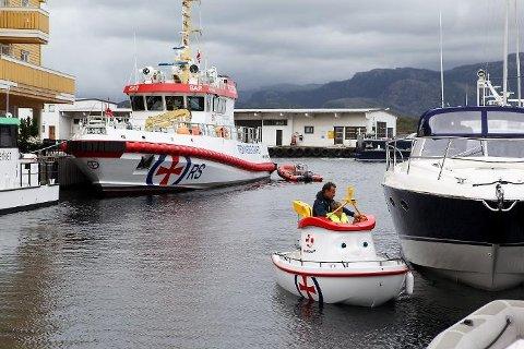 Eliasbåten er drive av dei frivillige i Redningsselskapet. – Givarstøtten og frivilligheta vil forsvinne med nedlegginga av distrikskontoret.