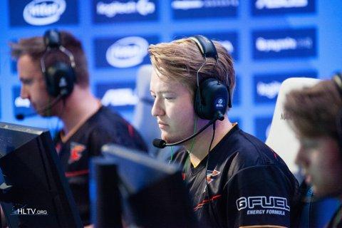 """Håvard """"Rain"""" Nygaard under ESL One i Køln tidlegare i år. Nygaard reiser verda rundt og konkurrerer i dataspelet Counter-Strike."""