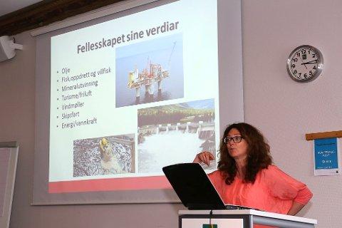 Ingrid Heggø på årsmøtet i Sogn og Fjordane Fiskarlag.