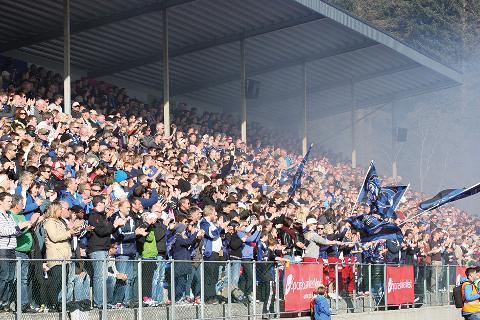 NY REKORD: Folkefesten mot Nest-Sotra 15. oktober vil fylle Florø stadion. Over 3000 var på stadion i cupkampen mot Brann i 2012. No spår mange ny rekord.