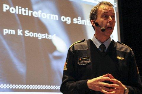 OPPSUMMERER FJORÅRET: Politimeister Kåre Songstad kan gle seg over positiv utvikling på enkelte område, men politiet er uroa over den markante auken i såkalla hatkriminalitet.