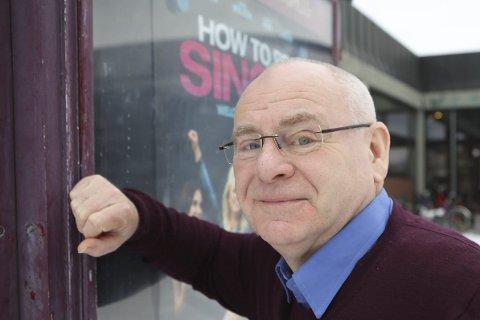 IKKJE NØGD: Kulturhus-sjef Ingvar Hopland legg ikkje skjul på at han er skeptisk til ein prisreduksjon på nesten 40 prosent på kinobillettane i byen til kjernepublikummet sitt.