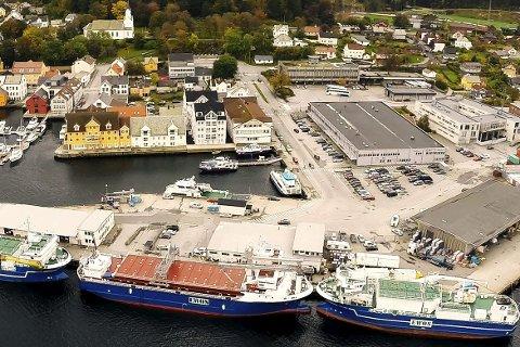 SKAL BLI BETRE:  K. Jansen, Saga Fjordbase og Flora Hamn KF skal med statleg støtte gjere kvarandre gode og kjempe for å få meir godsvolum frå hjul til kjøl. Arkiv