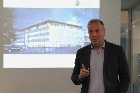 Studiekoordinator Øyvind Østrem.