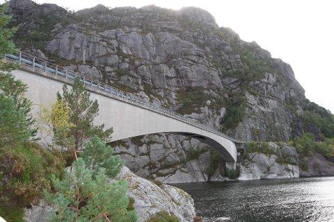 Osstrupen bru over Høydalsfjorden