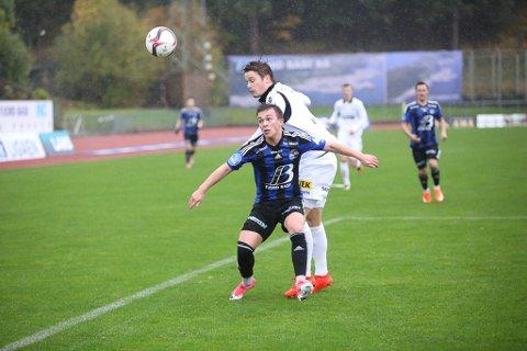 FRÅ START: Florø-guten Eirik Høydal (18) spelte sin første kamp frå start og viste publikum kvifor han no fekk tillit.