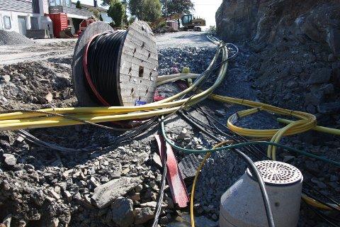 FIBER: Ved utgangen av 2022 skal koparnettet leggast ned, så om du vil ha internett eller fasttelefon etter dette må du ha anten fiber eller mobilt breiband. (Arkivfoto)