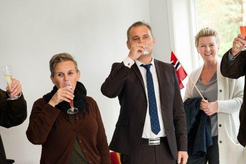 Opning av nytt administrasjonsbygg på Solbakken asylmottak. Bente Nygård og Ola Teigen.