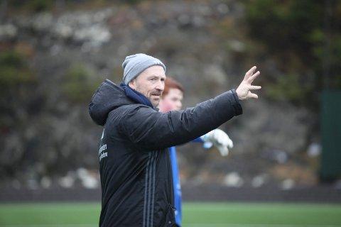 SATSING: Akademisjef i Florø Fotball, Frode Nybø får sjå spelarane sine møte dei beste 18-års laga i landet neste sesong.