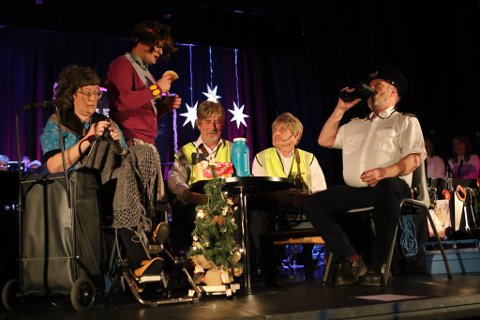 Verdt å sjå: Bremanger musikklag si oppsetting av «Juleferja» var både underhaldande og veldig godt utført. Alle foto: David E. Antonsen